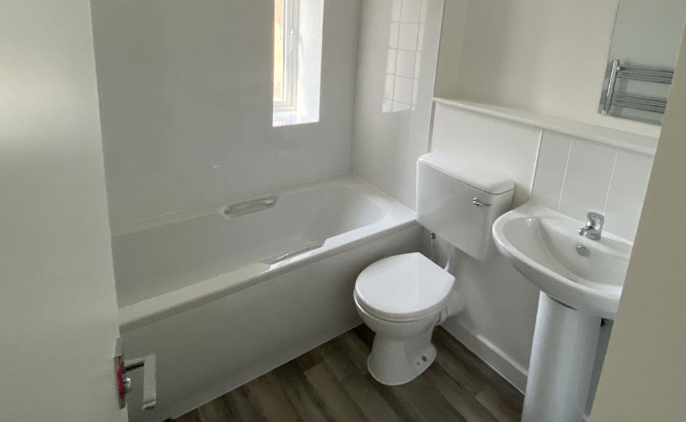 Derwent Road, Bathroom, Coldrum Group